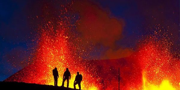 iceland-volcano-continues-001